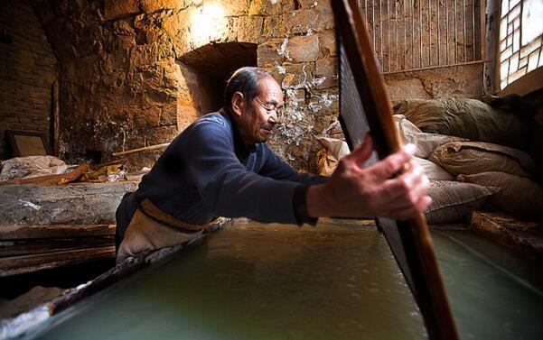 中国古代造纸的五种原料:麻,桑,藤,楮,竹